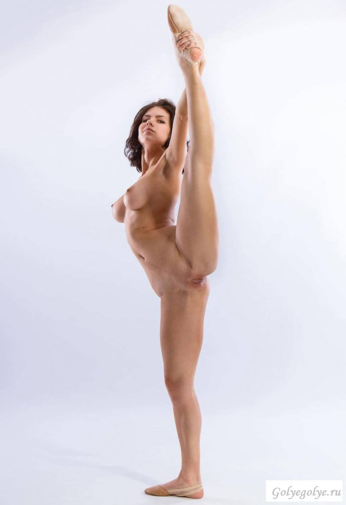 nude-black-female-gymnast-celebrity-videos-british-reality-tv